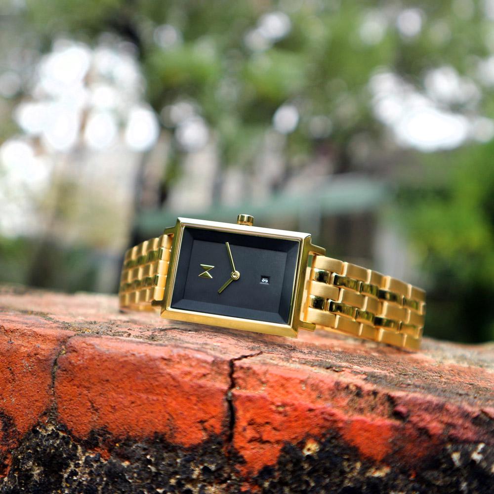 MVMT / D-MF03-GGR / 日期視窗 日本機芯 礦石強化玻璃 不鏽鋼手錶 黑x金 24mm