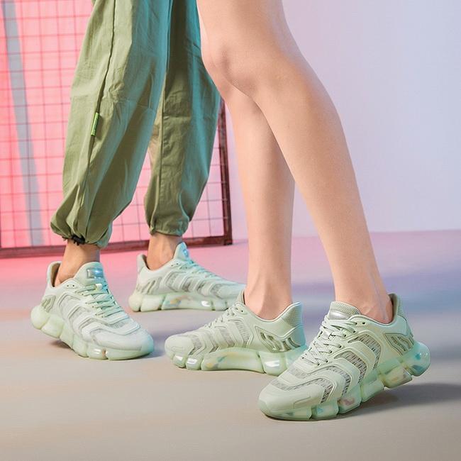FOFU-運動鞋情侶款超酷夜光毛毛蟲果凍底運動鞋【08B-S0673】