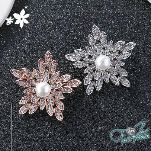 【伊飾童話】雪冰晶花*珍珠水鑽別針胸針/銀