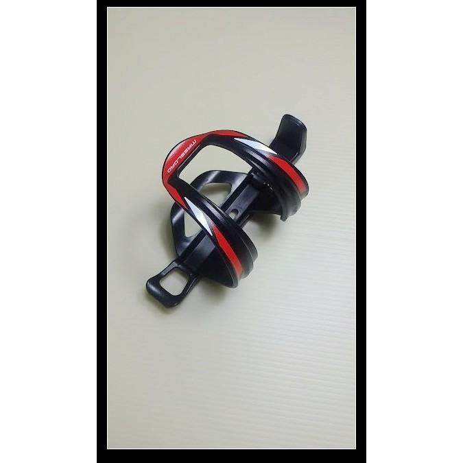 小謙單車全新 massload 側取/側放式水壺架/可調整左或右開口方向(黑色)