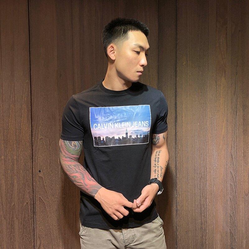 美國百分百【全新真品】Calvin Klein 圓領 T恤 CK 短袖 T-shirt 短T 印圖 黑色 S號 AP75