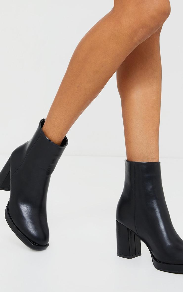 Black Slight Platform Basic Heeled Ankle Boots