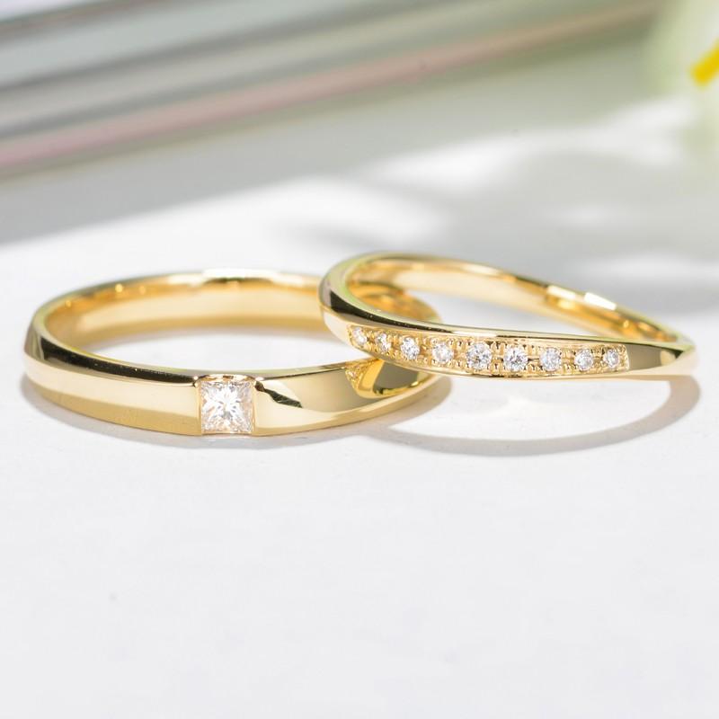 【巧品珠寶】天然鑽石群鑲曲面搭配點綴單顆方鑽素圈黃K金色亮面情侶夫妻伴侶結婚對戒鑽戒