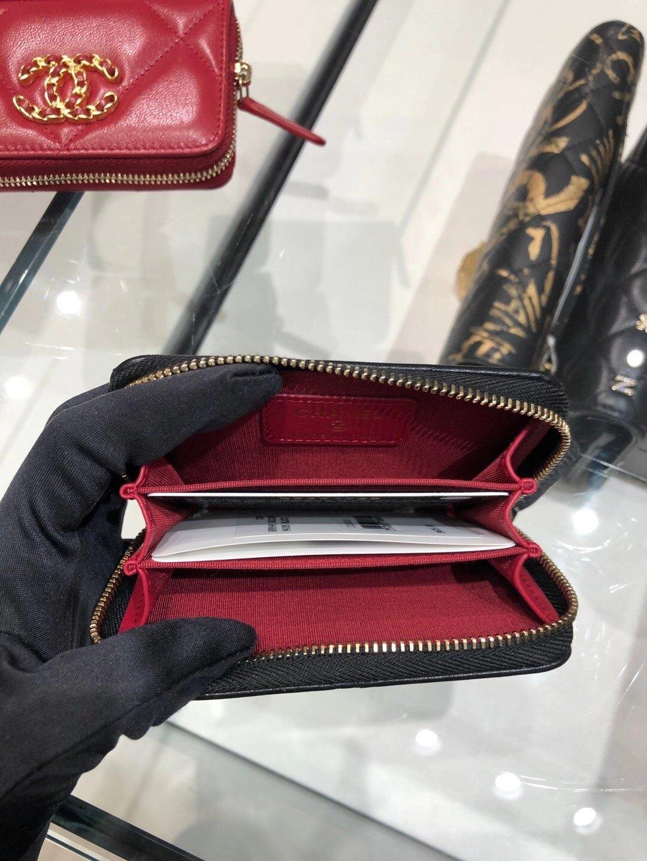 Chanel 19 卡包系列 黑色$21500 其他顏色$20800