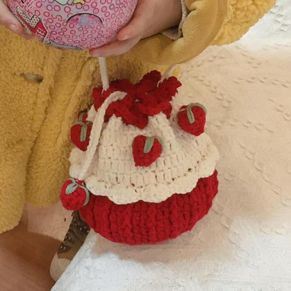 手工編織鉤針草莓蛋糕包包手織毛線針織自制禮物制作diy材料包
