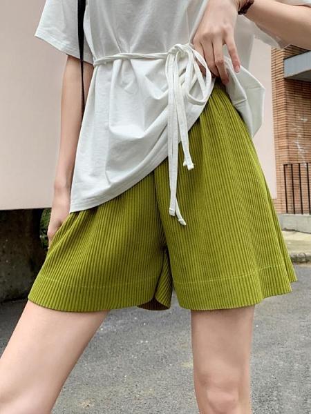 夏季薄款寬鬆直筒闊腿顯瘦綠色運動短褲褶皺女中褲高腰五分褲