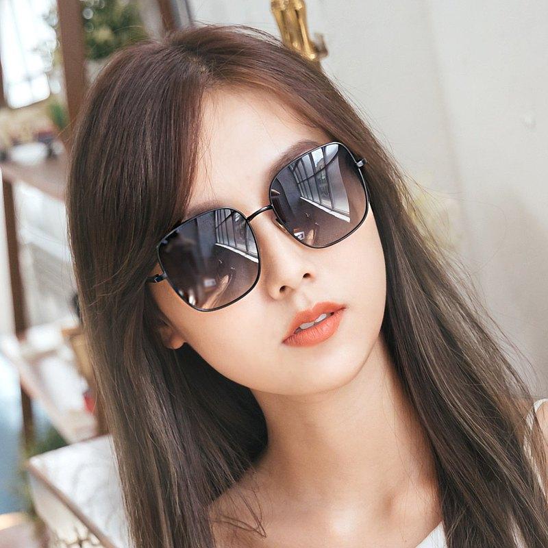 聖馬可的鐘樓奇遇│灰水藍微方黑細框偏光墨鏡│UV400太陽眼鏡