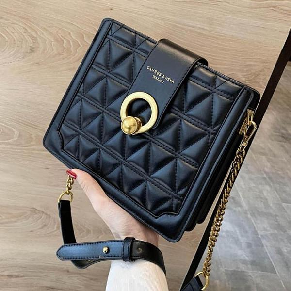今年流行的小包包女2021新款潮高級感爆款洋氣錬條斜背包超火