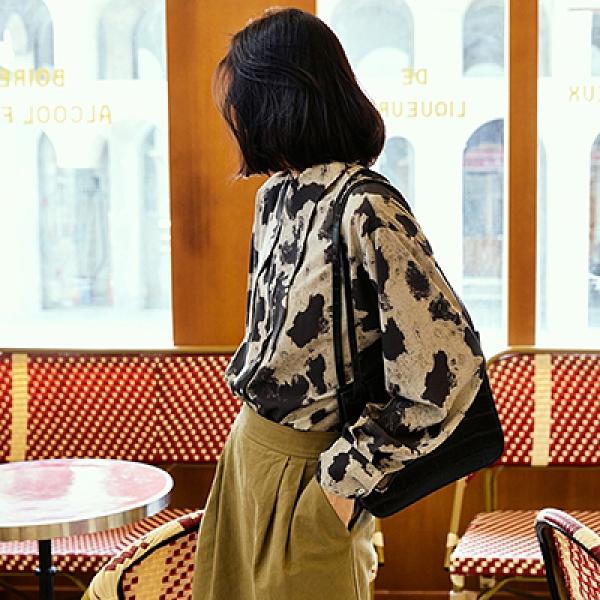 尖領長袖襯衫 寬鬆印花襯衫 休閒百搭上衣-夢想家-0909