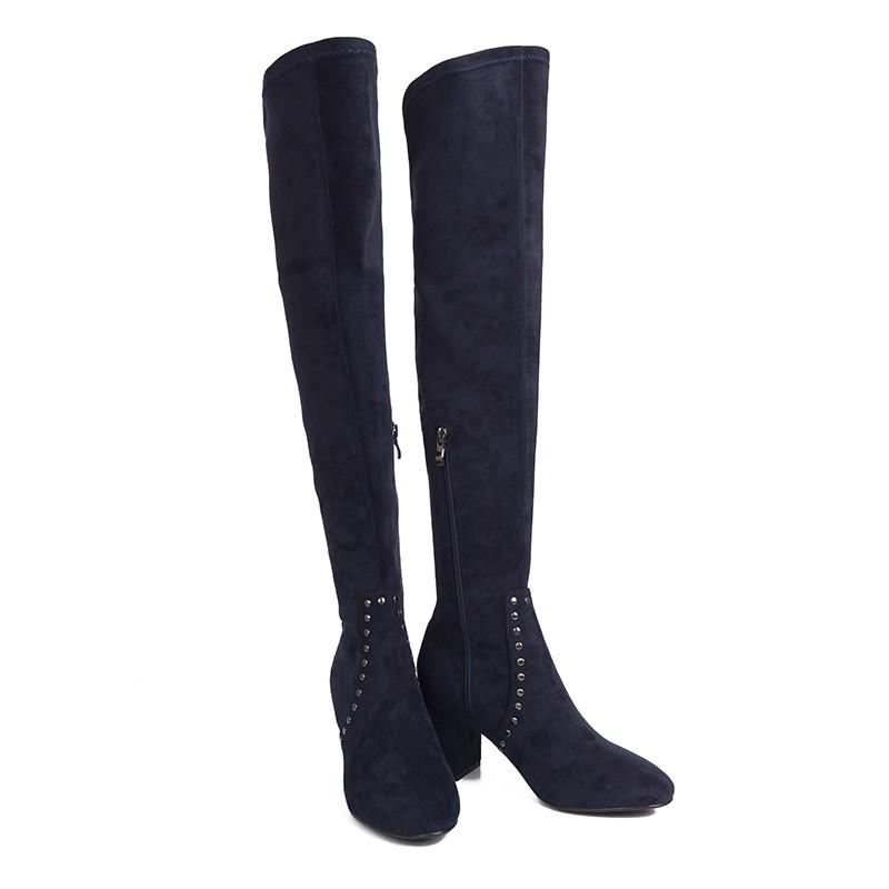 NANA精緻女鞋鉚釘彈力布粗跟膝上靴藍