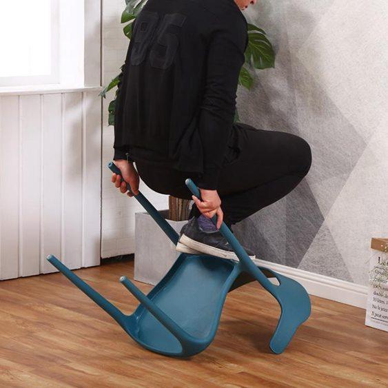 【免運】椅子塑料椅成人加厚家用餐椅靠背椅子北歐創意餐桌椅咖啡廳休閒牛角椅  喜迎新春 全館8.5折起  喜迎新春 全館8.5折起