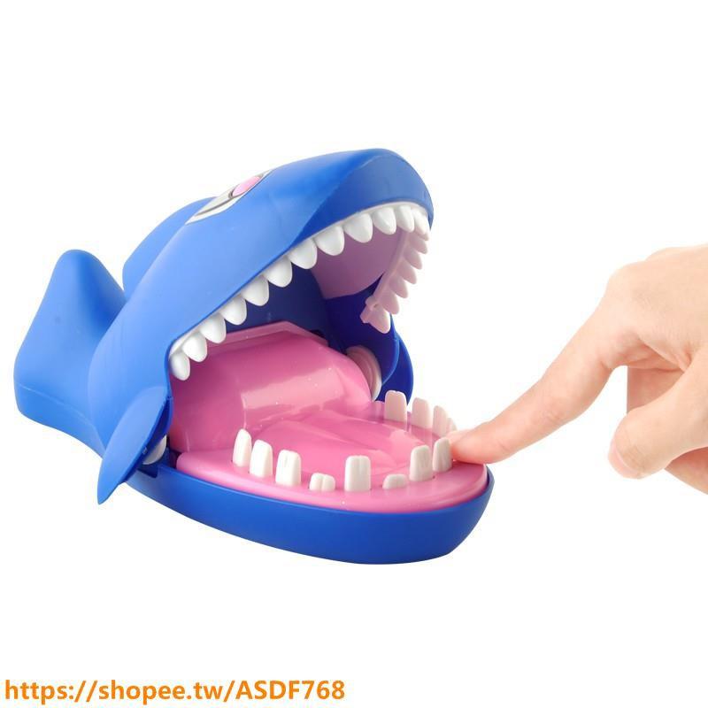 大號按牙齒咬手指成人整蠱創意遊戲親子鱷魚鯊魚咬人海盜桶叔玩具