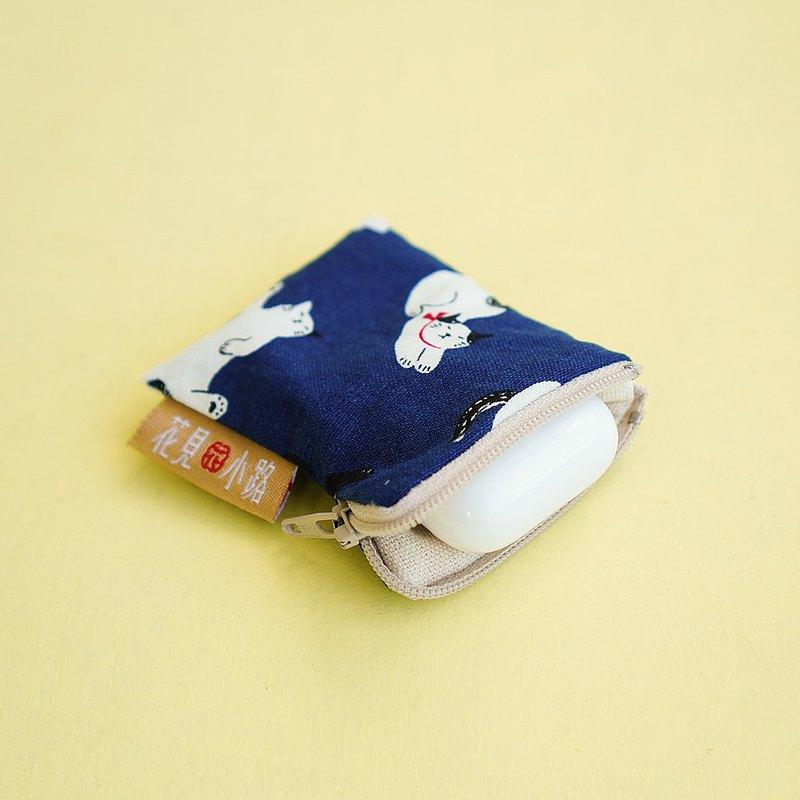 小花針線房 | 送禮No.1.Apple AirPods 京都貓藍色花布套.耳機殼