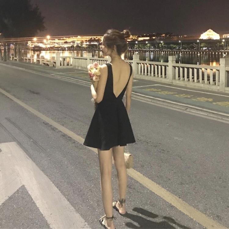 連身裙 歐洲站小個子復古小黑裙2020新款修身高腰露背性感短裙度假洋裝 夏洛特居家名品