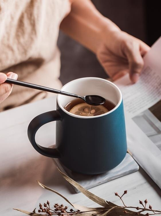 馬克杯 馬克杯帶勺創意陶瓷杯子女辦公室茶杯子簡約咖啡杯大容量家 免運  聖誕節禮物