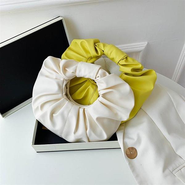 特賣 小眾設計褶皺云朵包包女夏季新款圓形斜挎包休閑軟皮手提包潮