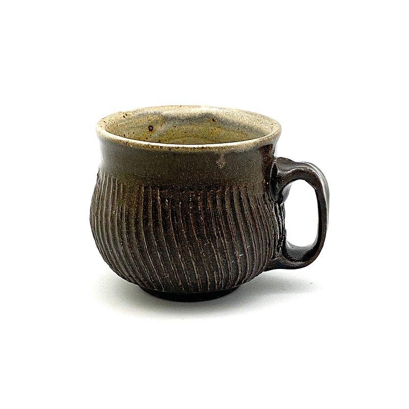 草木灰釉雙色劃紋馬克杯