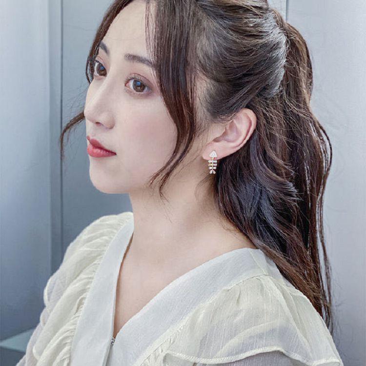 【台韓家】可愛搞怪鑲鑽魚骨頭耳環「台灣現貨」