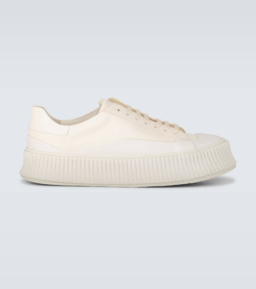 Creeper sole sneakers