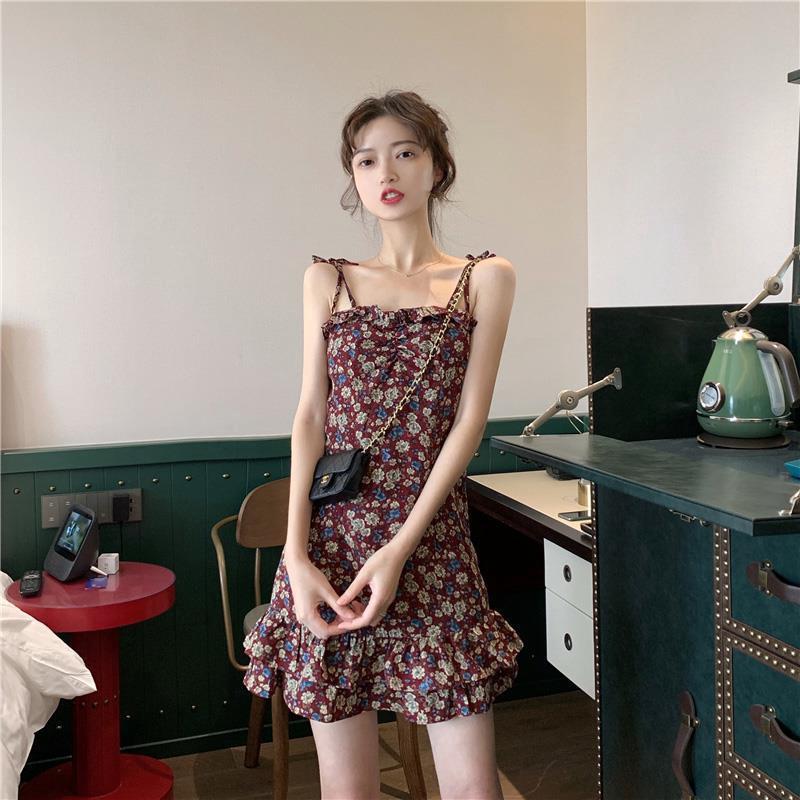 女生洋裝 小可愛洋裝 碎花洋裝 韓妞必備2020夏季韓版chic碎花魚尾復古小眾小可愛裙抽繩顯瘦女