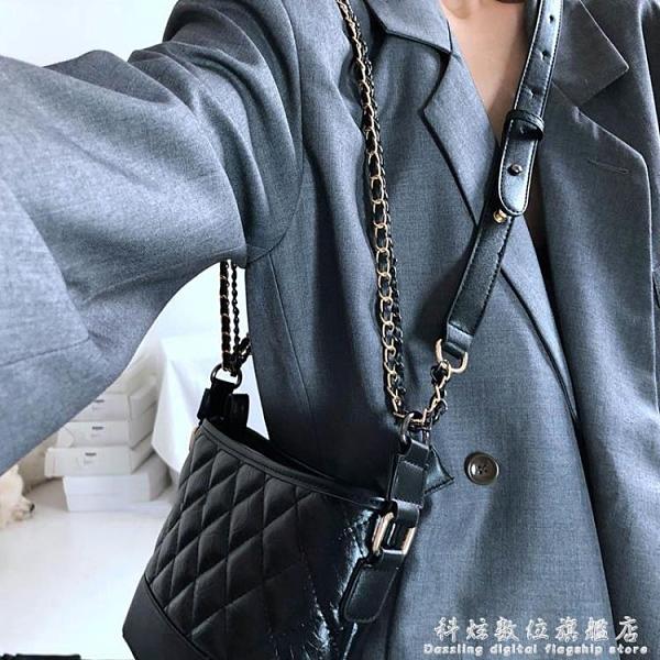 包包女包新款2020時尚菱格黑色流浪包復古簡約百搭錬條單肩側背包聖誕節免運