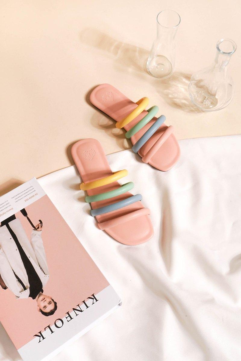 粉色皮革PU皮革配三带式凉鞋