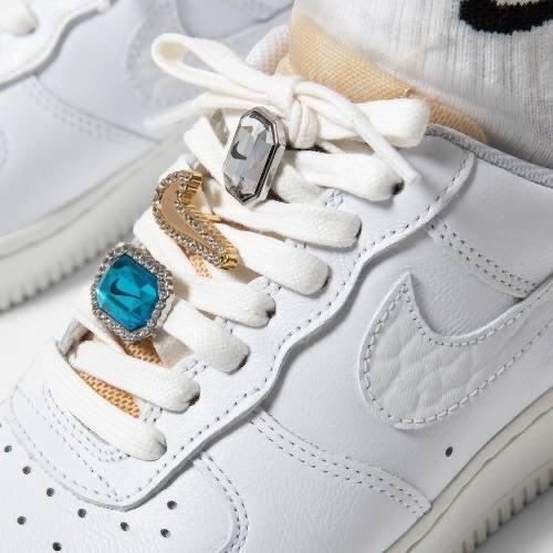 Nike Air Force 1 07 LX bling 最近詢問度超高的一雙鞋 尺寸US5-12 $5500