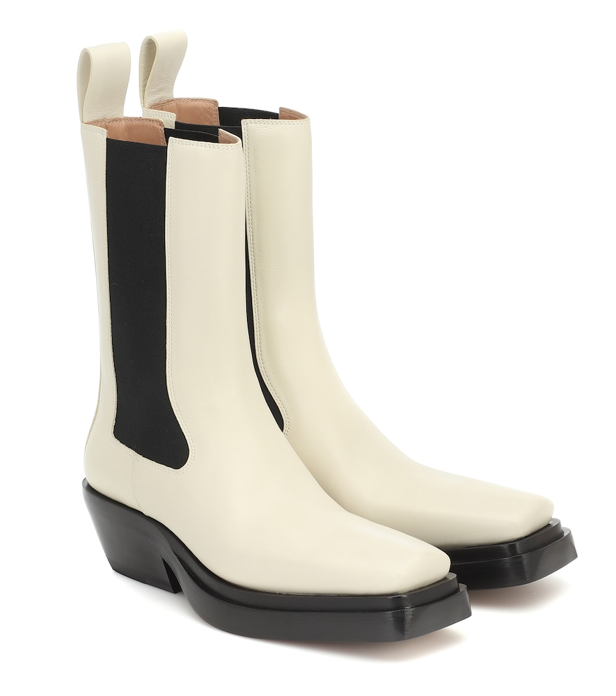 BV Lean leather ankle boots