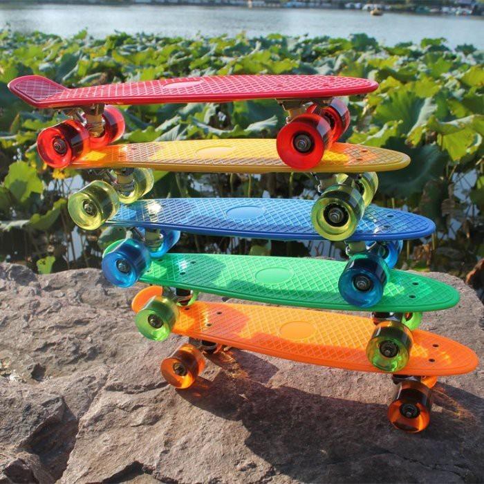 四輪滑板 香蕉板 小魚板 四輪滑板 成人 兒童 迷你 滑板 刷街滑板yf14001