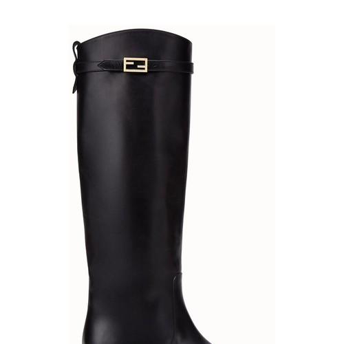 Black leather Promenade boots