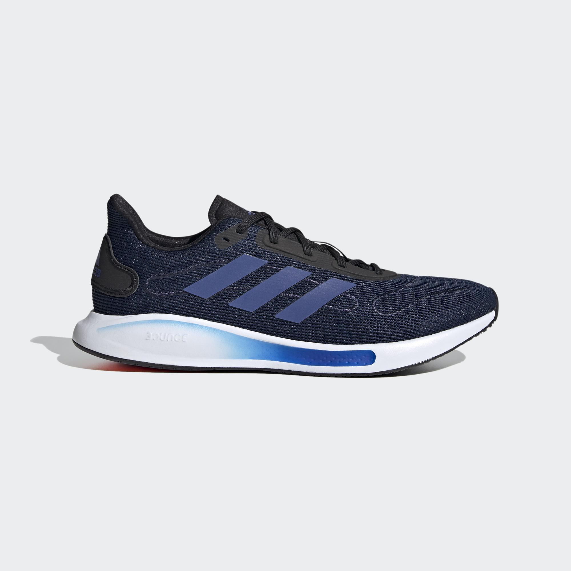 Galaxar 跑鞋
