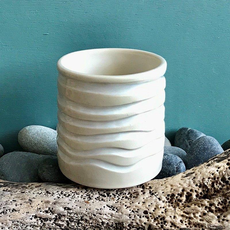 波紋型乳白釉彩陶器 陶杯 茶杯 馬克杯 水杯 酒杯 汽水杯 筆筒