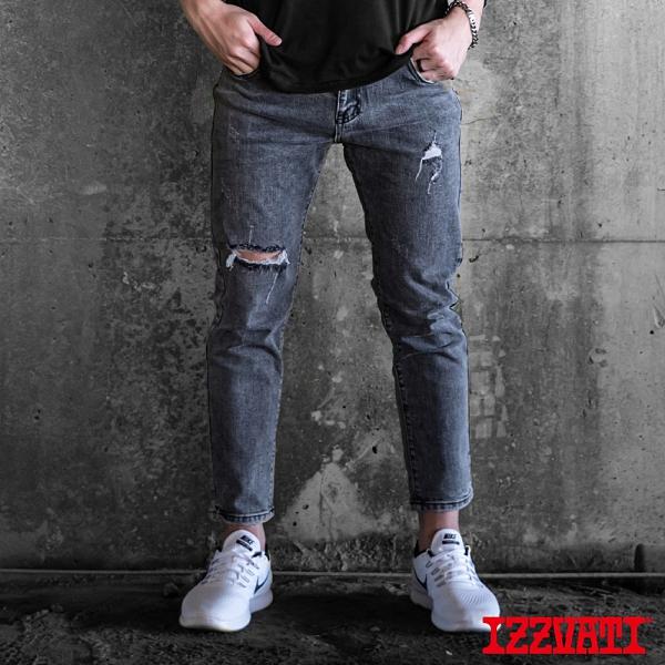 IZZVATI-修身磨破洞牛仔褲-黑