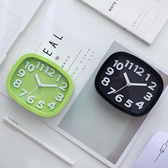 臺式創意個性學生兒童鐘表床頭靜音石英鐘桌面小擺件鬧鐘電子時鐘