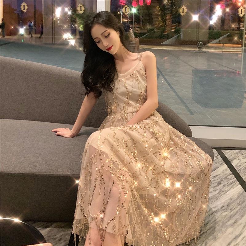 女生洋裝 無袖洋裝 網紗洋裝 網紅同款漏背小可愛女夏季新款氣質V領亮片鏤空性感長裙