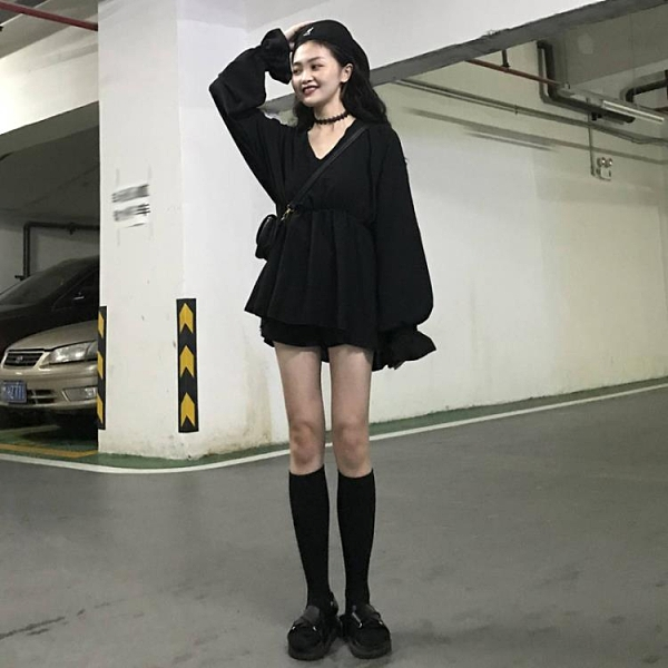 長袖連身裙 收腰顯瘦短裙法式小眾寬鬆燈籠袖長袖連身裙女裝 晶彩生活