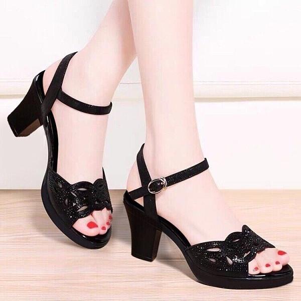 魚口鞋 2021新款粗跟涼鞋女夏季魚嘴女鞋水鉆高跟鞋女黑色媽媽鞋子女中跟  卡洛琳