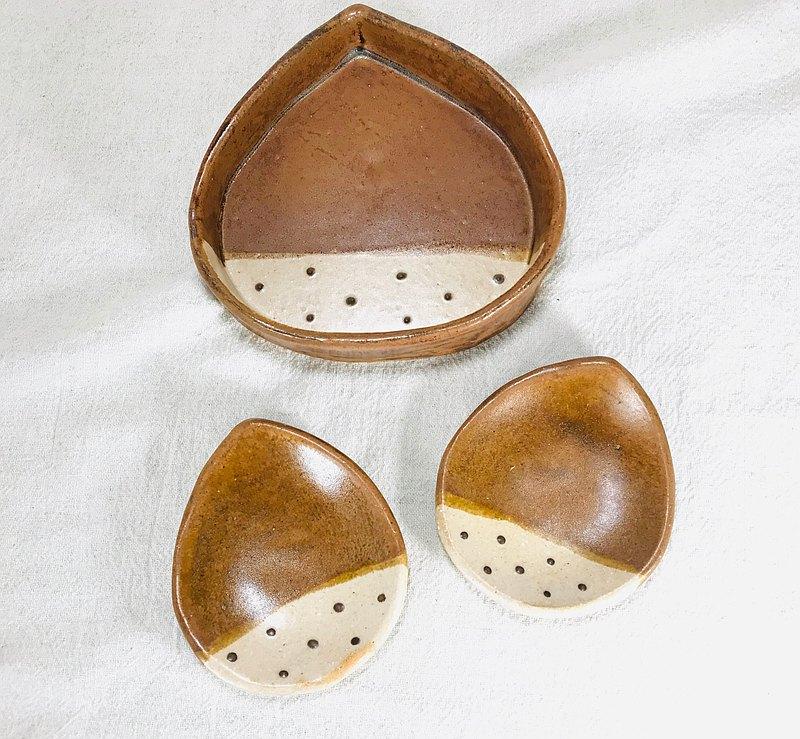 [每週Kei --Goody袋]-一套栗子焗烤盤S大小和栗子小盤進行烤箱烹飪