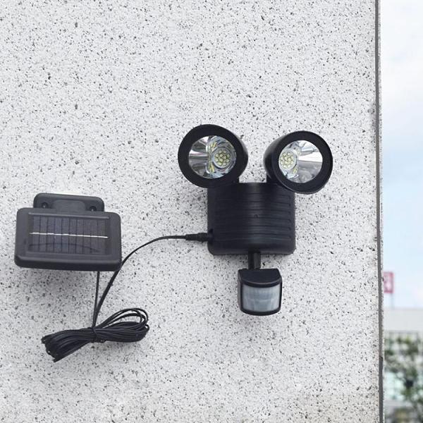 跨境太陽能庭院燈人體感應雙頭射燈22LED高亮雙頭戶外壁燈【全館免運】