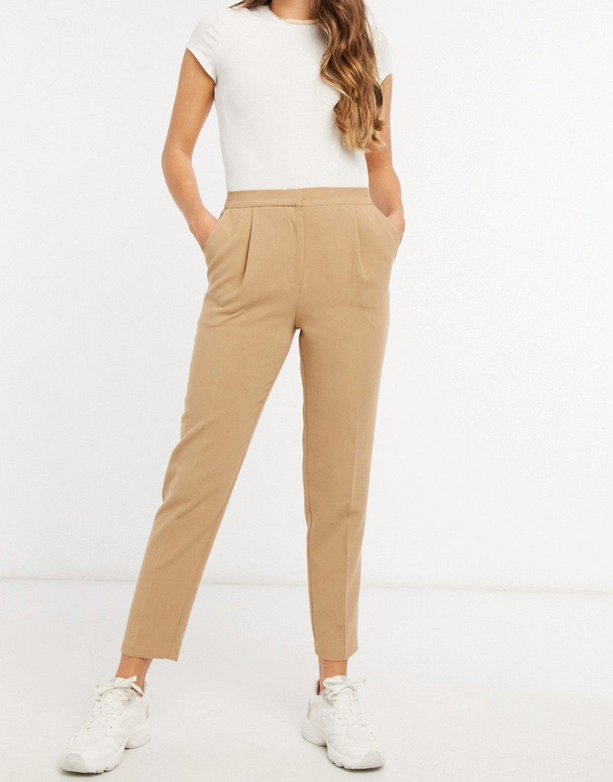 New Look tapered trousers in camel-Brown