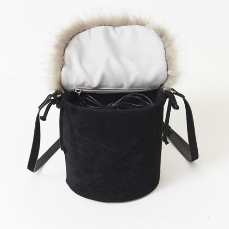 titty&Co【Y83B1-002】2WAY毛毛水桶包 黑色