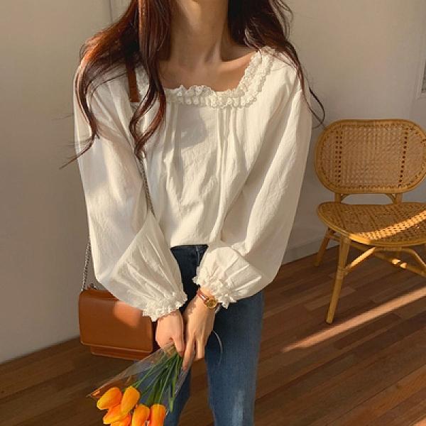 韓系 襯衫 韓國風秋季新款蕾絲拼接性感方領蓬蓬袖長袖甜美襯衫8902.T652-A 依品國際