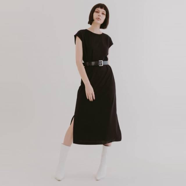 COLONY 2139 - 下開衩圓領休閒洋裝
