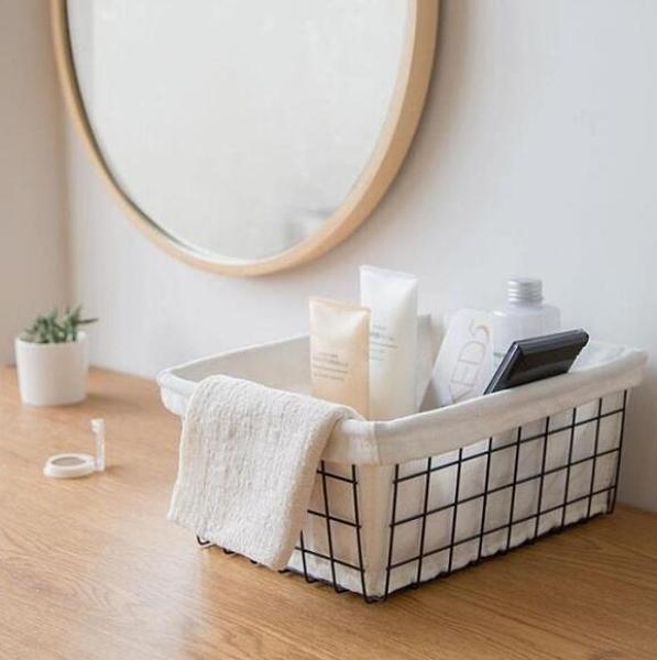 北歐日式鐵藝收納籃浴室收納盒廚房水果儲物筐桌面雜物書籍收納筐QM 向日葵