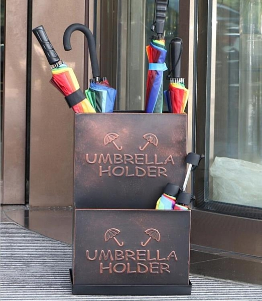 雨傘架雨傘收納架家用鐵藝傘桶酒店大堂雨傘放置架【千尋之旅】