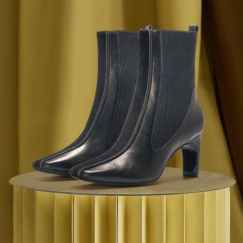 | HOA | 小方頭橡根高跟短靴 | 黑色 | 5399 |