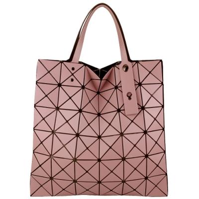 ISSEY MIYAKE 三宅一生BAOBAO 皮質三角方格6x6手提包(粉紅)