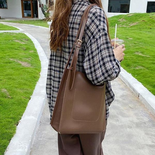 水桶包韓版ins新款復古托特包包女斜背包簡約單肩大容量女包