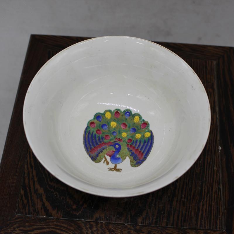 清乾隆年制粉彩纏枝蓮紋碗 家居用品擺件 仿古瓷器 古董古玩收藏1入