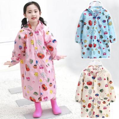 【優貝選】俏皮芝麻街伴印花可加大書包位置兒童雨衣